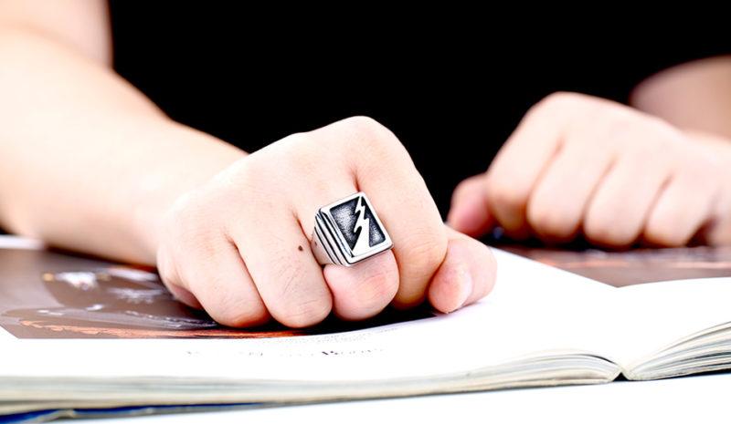 HTB1iO1xOXXXXXcfaXXXq6xXFXXX6 800x465 - Vintage Lightning Punk Stainless Steel Ring
