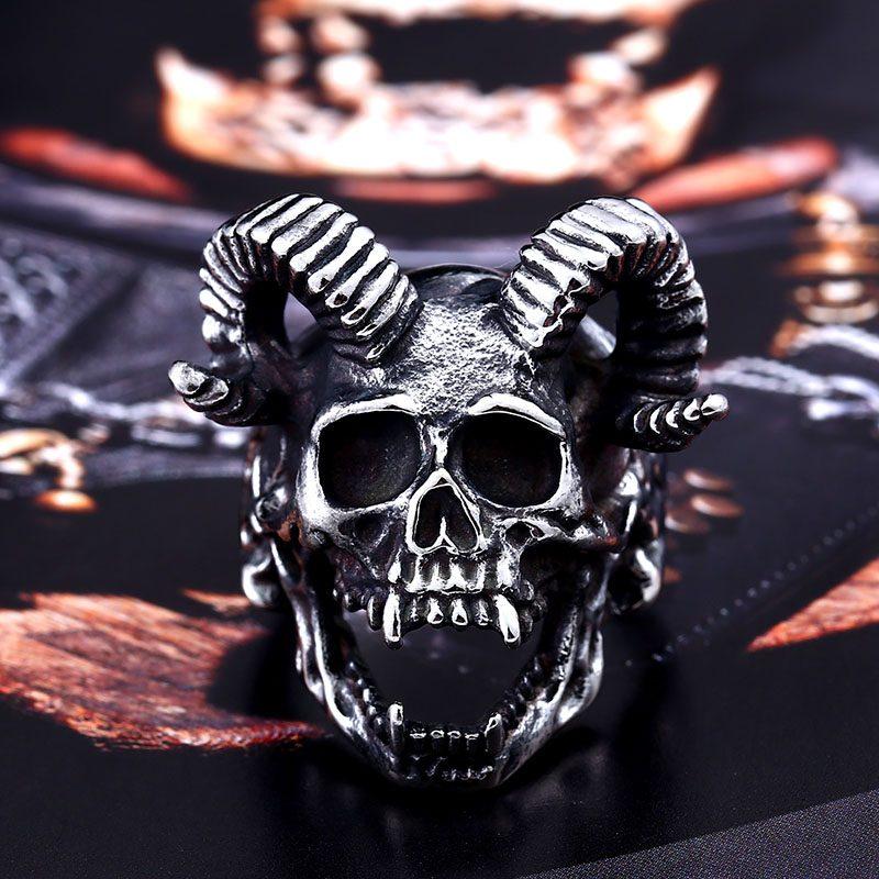 Skull Goat Horn Ring 4 800x800 - Skull Goat Horn Ring