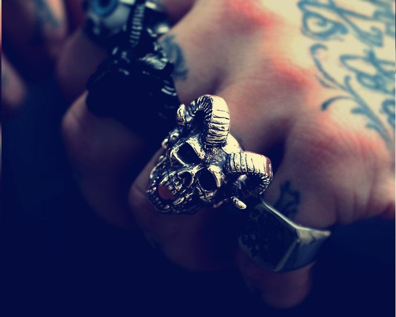 Skull Goat Horn Ring 6 - Skull Goat Horn Ring