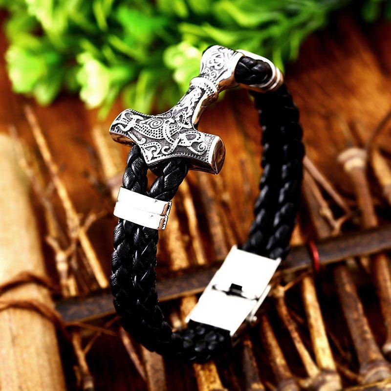 Thor Mjolnir Hammer bracelet 3 800x800 - Thor Mjolnir Hammer Bracelet