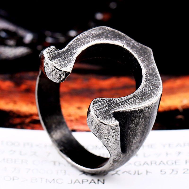 Viking Horseshoe ring 6 800x800 - Viking Horseshoe Ring