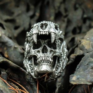 11237 e898bdc6a71782bee346cf7a3986ed11 300x300 - Men's Skull Shaped Ring